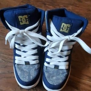 DC high tops size 6